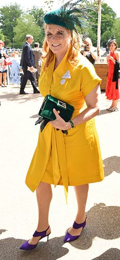 Sarah Ferguson looked incredible at Royal Ascot 2019 wearing a yellow shirt dress which she accessorised with a green belt. The wife of Prince Andrew also carried a green Gucci bag. Sarah Ferguson, Sarah Duchess Of York, Duke And Duchess, Romantic Outfit, Romantic Clothing, Romantic Fashion, Ascot Outfits, Eugenie Of York, Royal Fashion