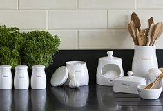 Dinnerware & Kitchen Accessories