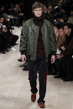 Burberry, Look #17 Fall Winter 2016 LCM - Bxy Frey