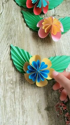 Handmade Origami Butterfly Process Video Tutorial - My best diy and crafts list Paper Flowers Craft, Paper Crafts Origami, Paper Crafts For Kids, Diy Arts And Crafts, Flower Crafts, Diy Flowers, Oragami, Flower Diy, Handmade Paper Craft