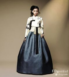 I am in love with this deep blue and the cream-colored top - 한복 hanbok, Korean traditional clothes Korean Traditional Clothes, Traditional Fashion, Traditional Dresses, Korean Dress, Korean Outfits, Korean Fashion Trends, Asian Fashion, Dress Outfits, Dress Up