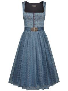 Saree Dress, Dress Skirt, Dresses For Less, Formal Dresses, Perfect Wardrobe, Mode Inspiration, Business Fashion, Traditional Dresses, Retro Fashion