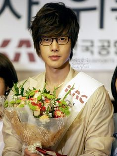 Kim Hyun Joong ♥ Boys Over Flowers ♥ Playful Kiss ♥ SS501 ♥ Barefoot Friends