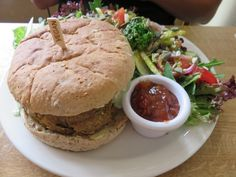Nice lunch at vegan Fortify Café in Maidstone (UK) **** Brighton, Hamburger, England, Lunch, Restaurant, Map, Vegan, Ethnic Recipes, Food