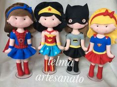 Super heroínas feltro Wonder Woman Party, Felt Fairy, Felt Patterns, Foam Crafts, Sewing Toys, Felt Toys, Soft Dolls, Felt Ornaments, Felt Animals