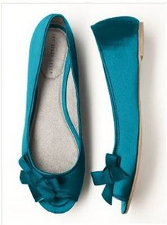 Bridal flats. Not crazy about the bow, but I want something like this in purple