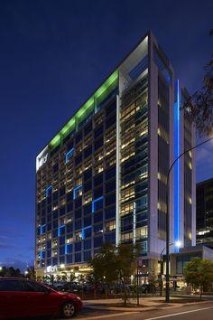 Aloft Hotel - Perth, Australia – Client: Melchor – Architectural project: Cox Howlett & Bailey Woodland – Photo: Ron Tan - Lighting products by iGuzzini Illuminazione #iGuzzini #Lighting #Light #Luce #Lumière #Licht # AloftHotel #Perth #Hospitality #Facade #RGB #LightingEffect#ArchitecturalLighting #nspiration #GraphicLight #FacadeLighting