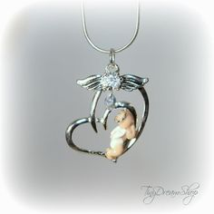 i want one for my mom.  Infant Loss Jewelry.
