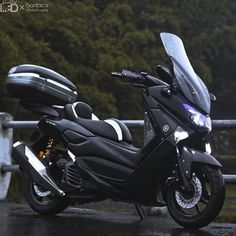 There's something magical about taking photos of black-paint bike… Yamaha Nmax, Yamaha Scooter, Scooter Motorcycle, Yamaha Motorcycles, Cars And Motorcycles, Motorcycle Shop, Paint Bike, Scooter Custom, Car Part Furniture