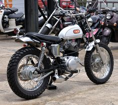 Small Motorcycles, Yamaha Motorcycles, Dirt Bikes, Road Bikes, Cafe Racer Honda, Street Bikes, Scrambler, Custom Bikes, Motorbikes