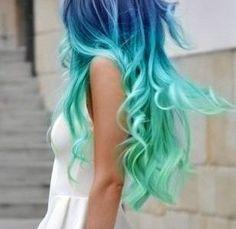 De Split-Dyed à Babylights, voici 15 idées de couleur de cheveux cool à essayer cette année