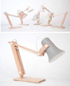 Mooie lampen van Marcel Ossendrijver. Met de hand gemaakt van beukenhout en klei.