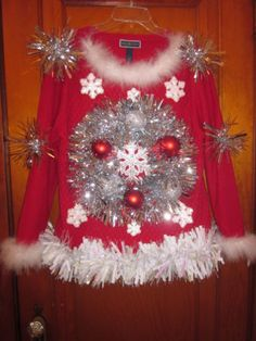 UGLY-TACKY-CLASSY-CHRISTMAS-SWEATER-WOMEN-039-S-LARGE-HAND-DECORATED