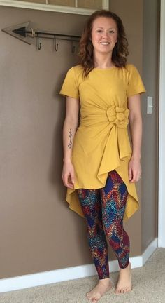 LulaRoe clothing is my life! Solid mustard Carly tied into a flower with an amazing printed OS legging. Lularoe Carly Dress, Lularoe Dresses, Lula Outfits, Fashion Outfits, Clothing Hacks, Dresses With Leggings, Leggings Fashion, Love Fashion, Summer Dresses
