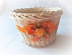Pedigmania / Košíček ORANŽÁDA Laundry Basket, Wicker, Home Decor, Homemade Home Decor, Decoration Home, Bathroom Laundry Hampers, Loom, Interior Decorating