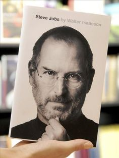 La Biografia de Steve Jobs por Walter Isaacson, un libro que cualquier fan de apple debe leer.