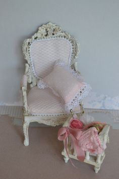 Dollhouse armachair 1:12 scale by dementeamano on Etsy