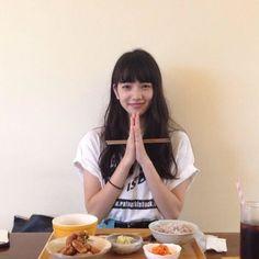 The Japanese customs before eat Nana Komatsu Fashion, Komatsu Nana, Cute Korean Girl, Japan Girl, Japanese Models, Poses, Aesthetic Girl, Ulzzang Girl, Pretty People