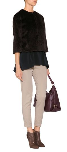 Styled in a luxe blend of alpaca and virgin wool, Brunello Cucinelli's faux-fur jacket features 3/4 sleeves and a cropped A-line silhouette #Stylebop 2070 евро 89740 руб