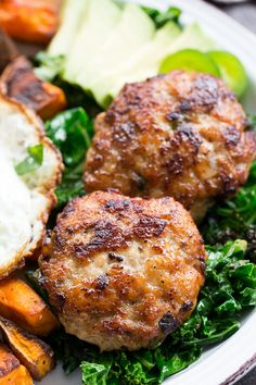 Garlic Jalapeno Chicken Sausage Patties (Paleo, Food And Drinks, These homemade garlic jalapeño chicken sausage patties are a tasty, healthy addition to any meal and pack tons of flavor! They& paleo, . Sausage Recipes, Turkey Recipes, Paleo Recipes, Real Food Recipes, Chicken Recipes, Dinner Recipes, Cooking Recipes, Paleo Meals, Diabetic Meals