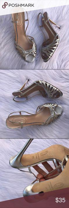 SJP SARAH JESSICA PARKER SZ 8.5 HEELS SHOES SILVER Cute sjp shoes SJP Shoes