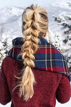 34 Ponytail Hairstyles Perfect for Upping Your Hair Game in 2020 - Southern Living - 34 Ponytail Hairstyles Perfect for Upping Your Hair Game in 2020 Enter: the most show-stopping ponytail yet. (Here's a secret: it's actually so easy. Cute Ponytail Hairstyles, Cute Ponytails, Fancy Hairstyles, Winter Hairstyles, Trending Hairstyles, Braid Ponytail, Pony Tail Braids, Hairdos, Hairstyles Haircuts