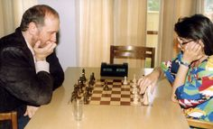 Bobby Fischer and Susan Polgar playing chess when he visited the Polgar family in Hungary in late 1980s: