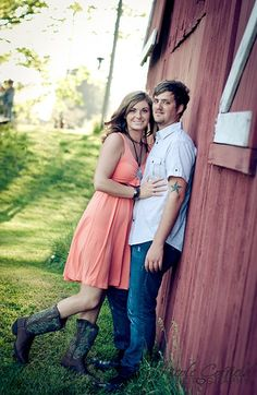country barn engagement photography family