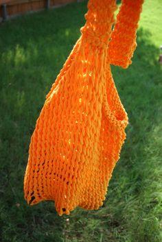 Requires knitting! A Tshirt bag! So making this!!!