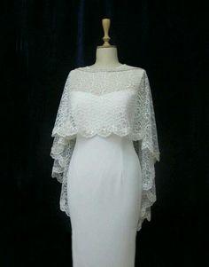 Resultado de imagen para embellished Cape by simonecarvalli Lace Shrug, Lace Dress, Dress Up, Bridal Dresses, Wedding Gowns, Bridesmaid Dresses, Trendy Dresses, Fashion Dresses, Dress Brokat