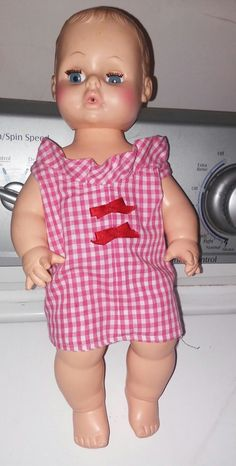 Thus is a 14 inch eegee baby doll from 1974.she's in very good vintage condition. She has all her fingers and toes.full eyelashes,rosey cheeks,and pink lips.she looks Luke she might have been a drunk and wet baby.her eyes are blue and she has brown molded hair.as is a cute little baby doll | eBay!