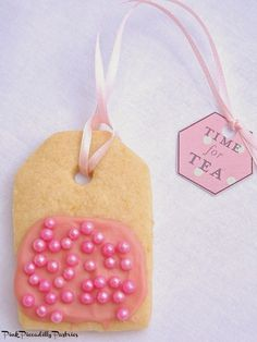 I've been wanting to make Teabag Cookies  for a while now   after seeing them on Pinterest, and since I didn't see a tutorial   for them...