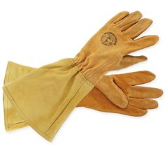 Thorn resistant pigskin leather gloves with elbow length leather cuffs. Soft and supple. Hand washable. Sized for a woman's hands For help with sizing click on the Sizing tab. MADE in the USA. -$46.00