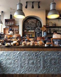 Coffee shop interior decor ideas 59 coffee bar desi̇ng в 2019 Restaurant Design, Deco Restaurant, Bakery Design, Bar Deco, Deco Cafe, Cute Coffee Shop, Coffee Shop Design, Coffee Shop Bar, Coffee Coffee