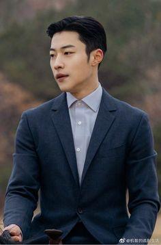 SBS Fantasy Romance Drama The King: Eternal Monarch Releases Character Stills for Main Cast Korean Men, Asian Men, Lee Min Ho Wallpaper Iphone, Handsome Korean Actors, Choi Jin, Fantasy Romance, Stylish Boys, Kdrama Actors, Drama Korea