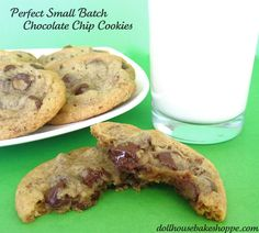 Dollhouse Bake Shoppe: Best (Small Batch) Chocolate Chip Cookies Ever Yield: 8 Perfect Chocolate Chip Cookies, Chewy Chocolate Chip Cookies, Baking Recipes, Cookie Recipes, Dessert Recipes, Bar Recipes, Yummy Recipes, Recipies, Best White Cake Recipe