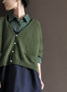 Green  open wool sweater Long  Sweater Two pocket-wool knitted sweater