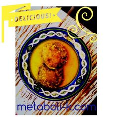 Tortitas de Huauzontles rellenas de queso de almendras, empanizados con harinas de avena y bañadas en salsa verde. Lava, desinfecta y hiérvelos. Sácalos del tallo y sazónalos con sal, pimienta, huevo de rancho y mezcla todo muy bien. Haz tortitas exprimiéndolas hasta que ya no salga agua y poniendo dentro un trozo de queso vegano o panela. Pásalos por avena molida y fríelos con aceite de linaza o chía. Báñalos con la salsa que te guste. Excelente fuente de nutrientes con maravilloso sabor…