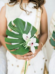 Wedding Flower Arrangements Palm frond wedding bouquet- pretty simple and budget friendly - Expect bold wedding trends in like asking for cash, passed cake bites and the revival of a seriously budget-friendly flower. Tropical Wedding Bouquets, Beach Wedding Flowers, Wedding Flower Arrangements, Hawaii Wedding, Floral Bouquets, Floral Wedding, Destination Wedding, Tropical Weddings, Orchid Bouquet