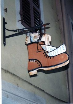 magasin chaussures (show store)  73 Conflans, France - medieval city