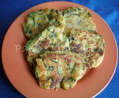 Le frittatine senza uova, fatte con farina di ceci, sono uno dei piatti più semplici e sfiziosi della cucina vegana. Che sia una cucina ripetitiva è un