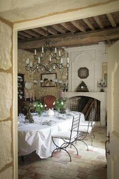 Marvelous French Country Dining Rooms Decoration Ideas - Page 76 of 99 French Country Dining Room, Modern French Country, French Country Kitchens, French Country Bedrooms, French Country Cottage, French Farmhouse, Country Houses, French Countryside, Farmhouse Design