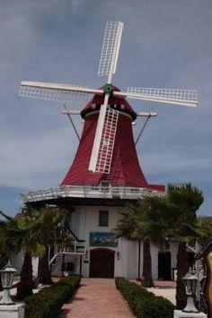 Aruba: Holland style windmill.