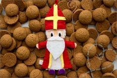 Overzicht: Sinterklaas artikelen - Nobody ELSe : Nobody ELSe Food Crafts, Kids Crafts, Saint Nicolas, Seasonal Food, Busy Book, Reno, Father Christmas, Felt Diy, Gingerbread Cookies