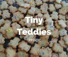 How to make your own tiny teddies Honey Biscuit Recipe, Tiny Teddies, Animal Party, Bento Kids, Lunch Box Recipes, Yummy Recipes, Snack Recipes, Baby Puree, Baking Flour