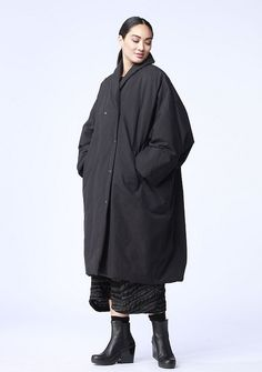 Conquer the cold weather in this water-repellent and luxurious OSKA coat. Only 1 left. https://newyork.oska.com/en/products/detail/coat-luba-01150710032/