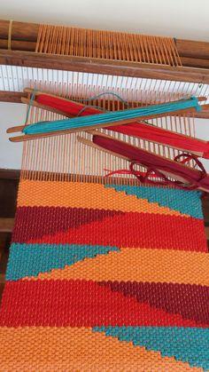 Weaving Loom Diy, Inkle Loom, Loom Craft, Weaving Art, Weaving Patterns, Tapestry Weaving, Hand Weaving, Peg Loom, Weaving Projects