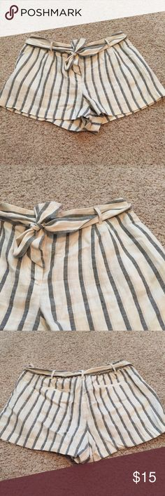 Loft Nautical Bow Shorts Gently Worn • True to Size • Off White with Navy Stripes • 2 Pockets in Front • 2 Fake Pockets in Back • Belt is Not Attached • Elastic Back Waist • Buttons + Zips + 2 Clasps • 54% Linen • 46% Cotton LOFT Shorts