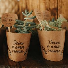 wedding gifts ideas for couple Diy Wedding, Wedding Venues, Dream Wedding, Wedding Day, Wedding Flowers, Wedding Shoes, Wedding Favors And Gifts, Best Baby Gifts, Wedding Rings Simple