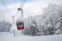 It's the cable car, one of the symbols of Bursa, Turkey. Places To Travel, Places To See, Empire Ottoman, The Beautiful Country, Beautiful Places, Turkey Travel, Famous Places, Istanbul Turkey, Winter Snow